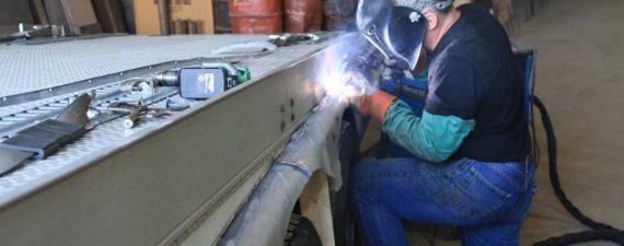 trailer-repair-1030x687